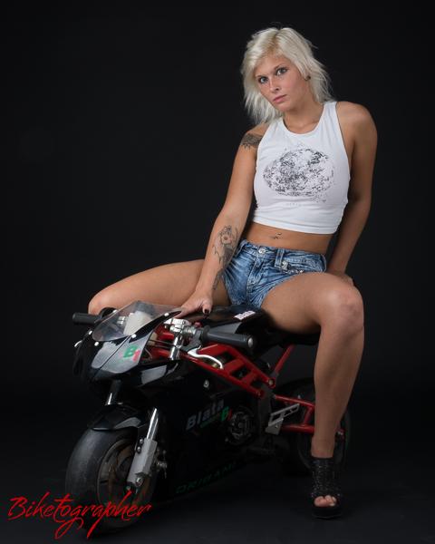Pocketbike-woman_2