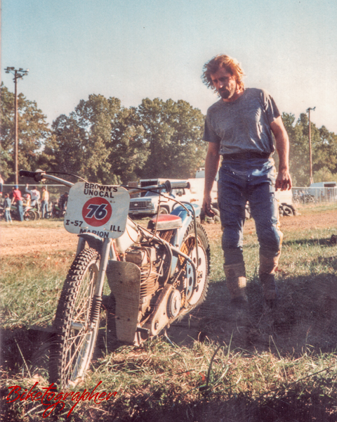 Biketographer-at-Paducah-Kentucky-with-Jawa-Speedway-Bike